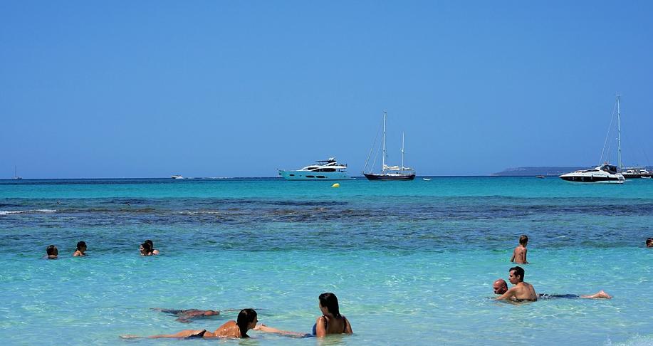 Die Ruhe fern ab vom Tourismus genießen